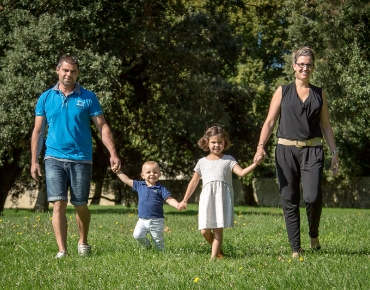 Séance photographie de famille en extérieur